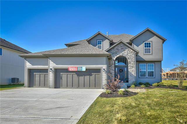 5827 Belmont Drive, Shawnee, KS 66226 (#2349714) :: Five-Star Homes