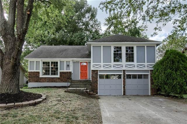 2109 S Kenwood Street, Olathe, KS 66062 (#2349729) :: Audra Heller and Associates