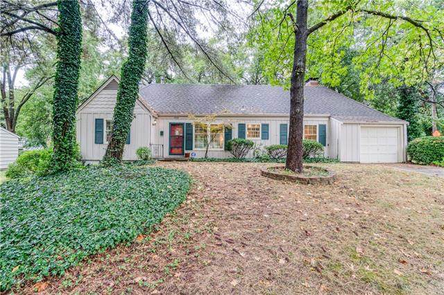 8300 Sagamore Road, Leawood, KS 66206 (#2349801) :: Tradition Home Group | Compass Realty Group