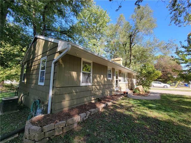 13218 W 91st Street, Lenexa, KS 66215 (#2349824) :: SEEK Real Estate