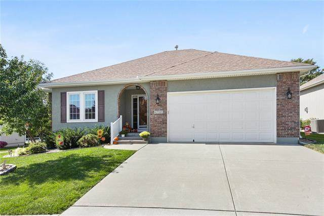 4796 Leafwing Drive, Lee's Summit, MO 64082 (#2349851) :: Five-Star Homes