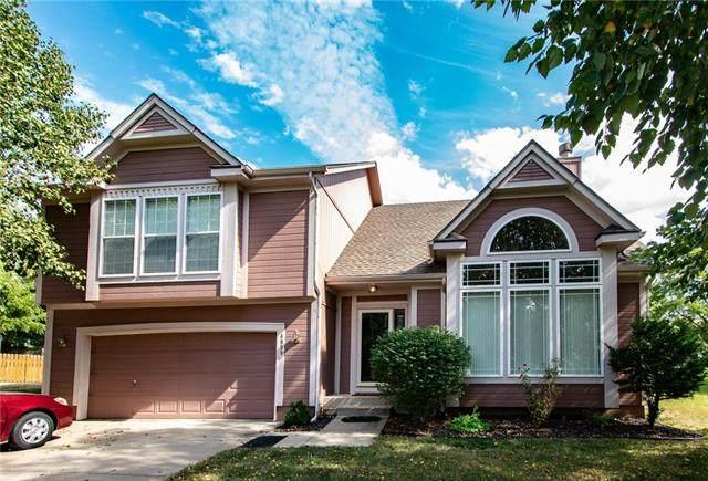 4935 S Noreston Street, Shawnee, KS 66226 (#2349888) :: The Shannon Lyon Group - ReeceNichols