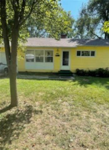 10929 Bristol Terrace, Kansas City, MO 64134 (#2349897) :: Ron Henderson & Associates