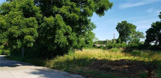 2401 N 5th Street, Kansas City, KS 66101 (#2349903) :: SEEK Real Estate