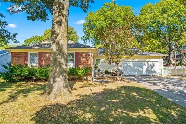 6016 W 86th Terrace, Overland Park, KS 66207 (#2349974) :: Five-Star Homes