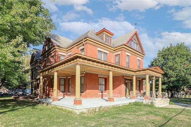3310 Harrison Street, Kansas City, MO 64109 (#2350011) :: Five-Star Homes