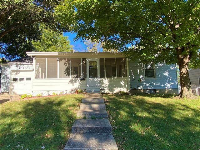 3407 N Pleasant Street, Independence, MO 64050 (#2350020) :: Eric Craig Real Estate Team