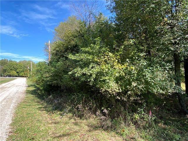 54 Black Oak Drive, Linn Valley, KS 66040 (#2350029) :: ReeceNichols Realtors