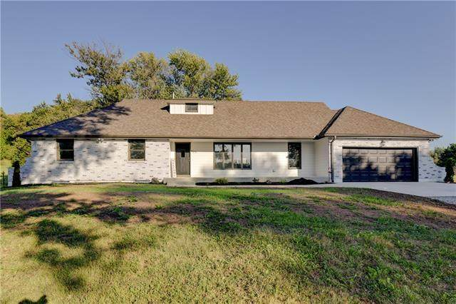 925 S Alexander Road, Independence, MO 64056 (#2350033) :: Ask Cathy Marketing Group, LLC