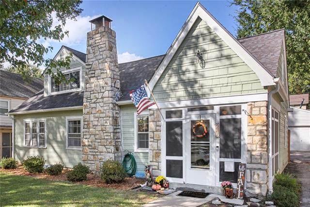 218 E 73rd Street, Kansas City, MO 64114 (#2350037) :: SEEK Real Estate