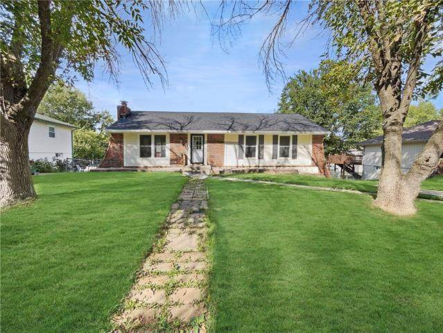 309 SW Keystone Drive, Blue Springs, MO 64014 (#2350043) :: Five-Star Homes