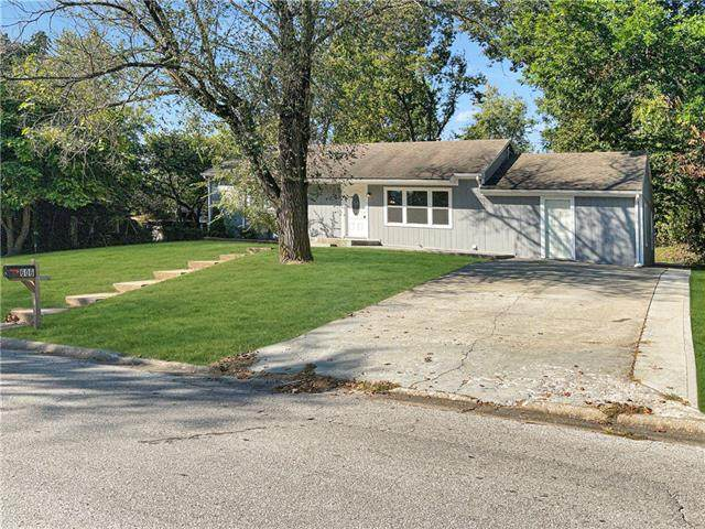 606 N 80th Terrace, Kansas City, KS 66112 (MLS #2350062) :: Stone & Story Real Estate Group
