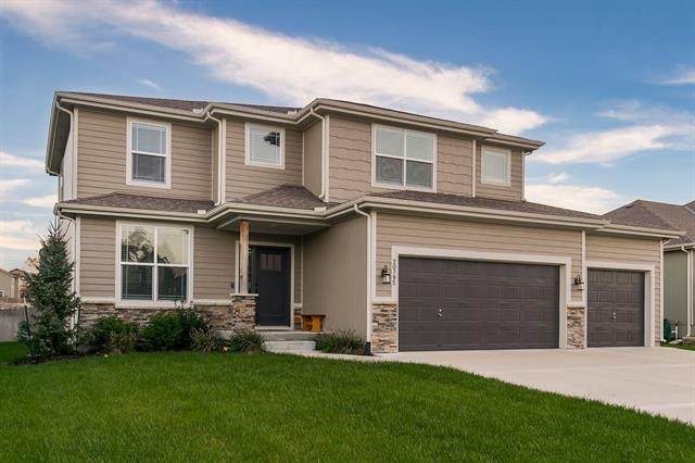20795 W 225th Terrace, Spring Hill, KS 66083 (#2350072) :: Five-Star Homes