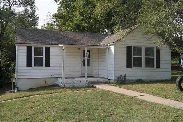 6302 N Main Street, Kansas City, MO 64118 (#2350130) :: Tradition Home Group | Compass Realty Group