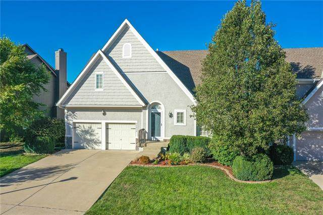 23574 W 126th Terrace, Olathe, KS 66061 (#2350138) :: Audra Heller and Associates