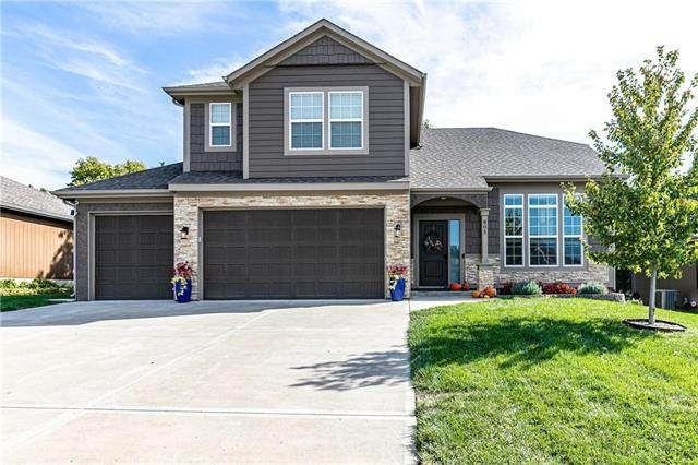805 154th Place, Basehor, KS 66007 (#2350168) :: Team Real Estate