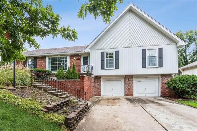 15 W Bridlespur Terrace, Kansas City, MO 64114 (#2350204) :: Dani Beyer Real Estate