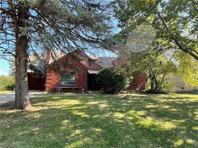 2423 N 49 Street, Kansas City, KS 66104 (#2350211) :: SEEK Real Estate
