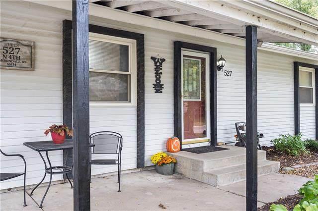 527 N 4th Street, Carbondale, KS 66414 (MLS #2350280) :: Stone & Story Real Estate Group