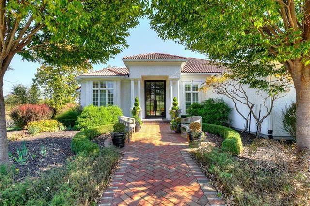 9807 N Revere Avenue, Kansas City, MO 64154 (#2350328) :: Five-Star Homes