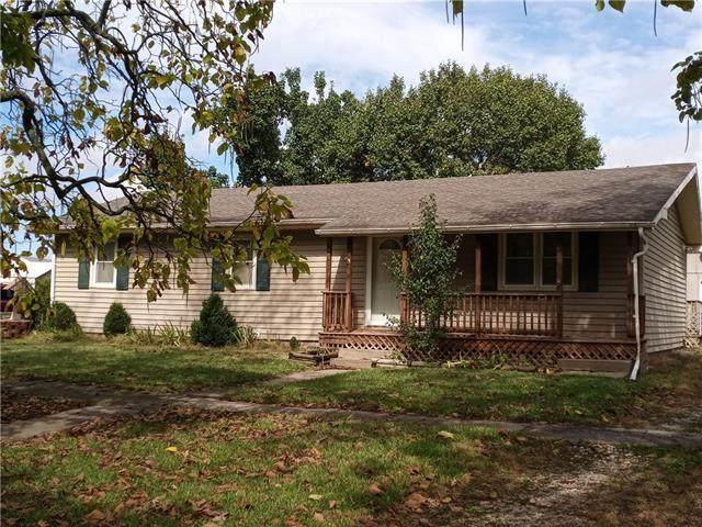 233 E First Avenue, Garnett, KS 66032 (#2350347) :: Team Real Estate