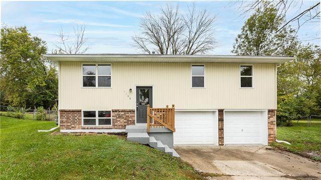 1108 NW Golfview Drive, Grain Valley, MO 64029 (#2350383) :: Ron Henderson & Associates