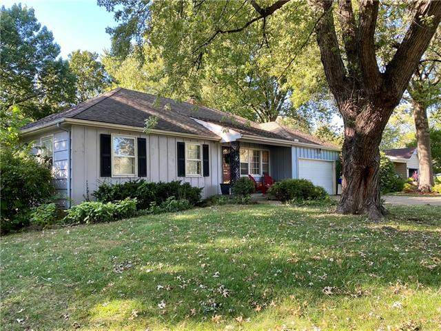 8356 Lamar Avenue, Overland Park, KS 66207 (#2350399) :: Five-Star Homes