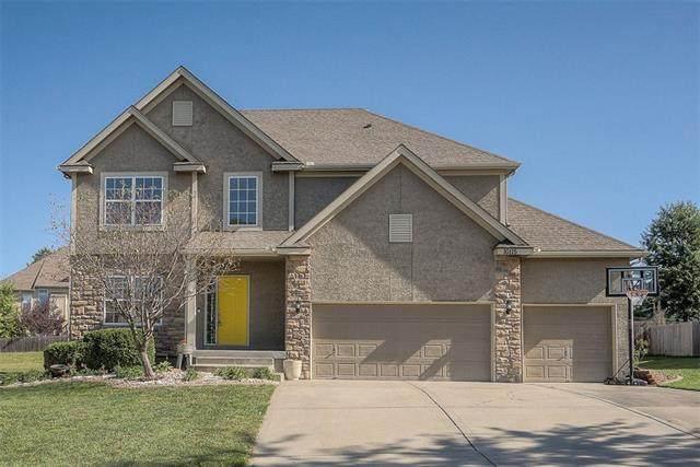10115 N Stark Avenue, Kansas City, MO 64157 (#2350434) :: ReeceNichols Realtors