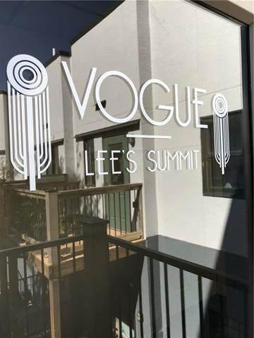 319 SE Douglas Street #204, Lee's Summit, MO 64063 (#2350443) :: SEEK Real Estate