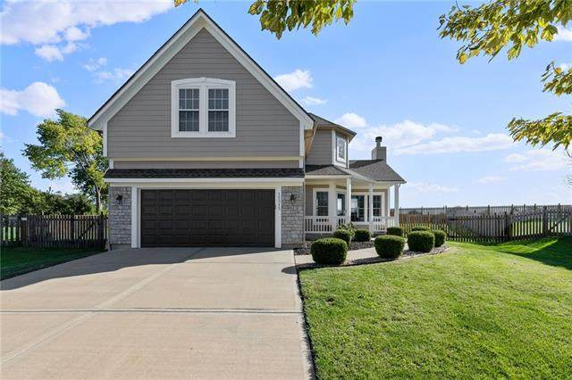 15313 S Widmer Street, Olathe, KS 66062 (#2350447) :: Tradition Home Group | Compass Realty Group