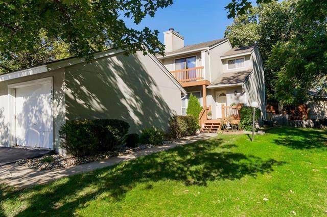 10953 Westgate Road, Overland Park, KS 66210 (#2350508) :: Five-Star Homes