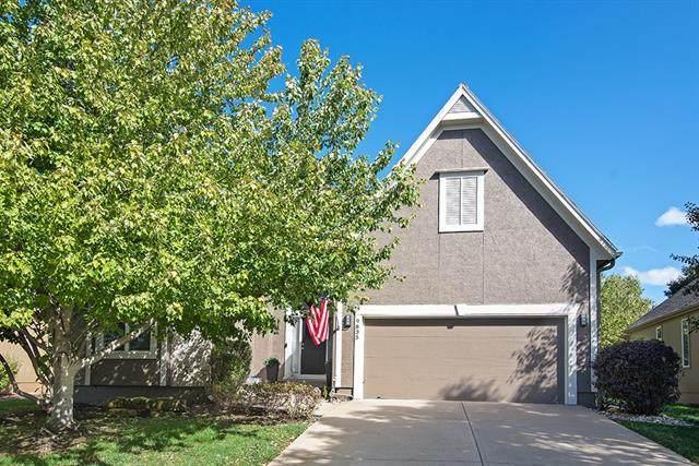 9835 Vista Drive, Lenexa, KS 66220 (#2350515) :: Tradition Home Group   Compass Realty Group