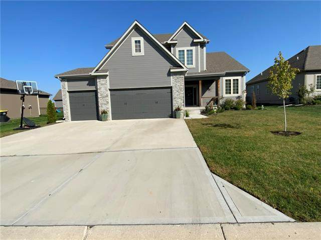 409 SW Newport Drive, Blue Springs, MO 64014 (#2350558) :: Five-Star Homes