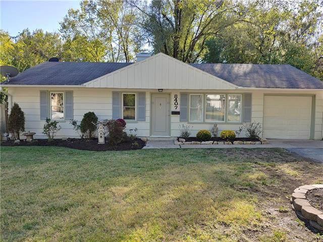 8407 E 111 Street, Kansas City, MO 64134 (#2350646) :: Tradition Home Group | Compass Realty Group