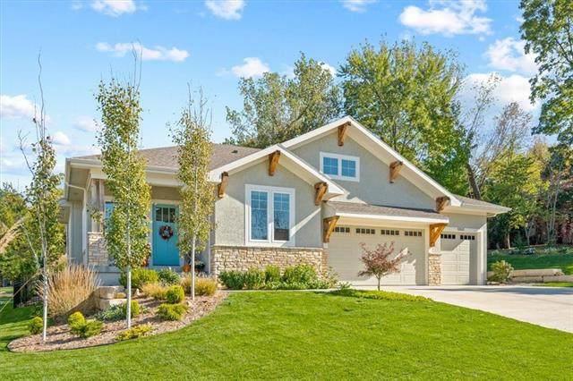 6843 Brownridge Drive, Shawnee, KS 66218 (#2350652) :: The Shannon Lyon Group - ReeceNichols