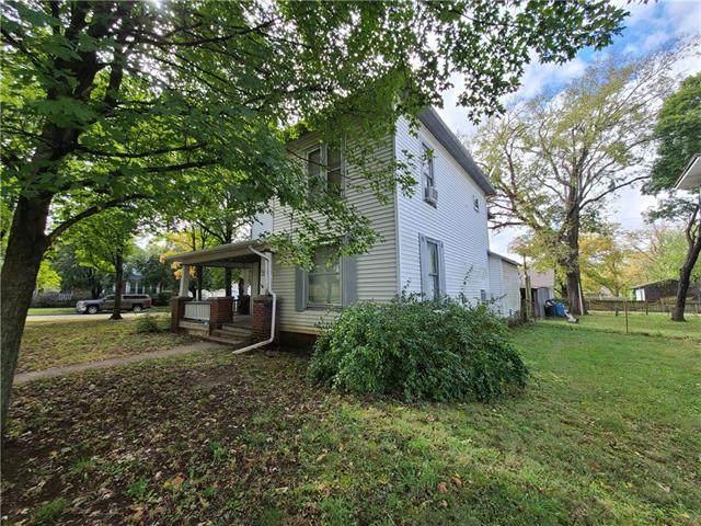 24 S Broadway Street, Fort Scott, KS 66701 (#2350703) :: Five-Star Homes