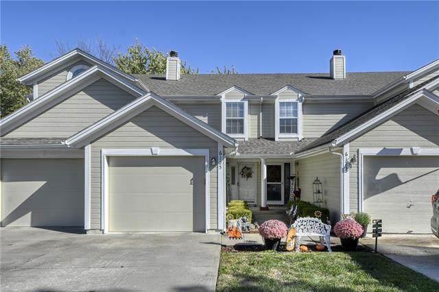 6125 NE Moonstone Court, Lee's Summit, MO 64064 (#2350723) :: Five-Star Homes
