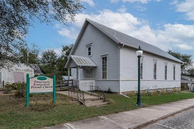 404 Shawnee Street, Tonganoxie, KS 66086 (#2350801) :: Ask Cathy Marketing Group, LLC