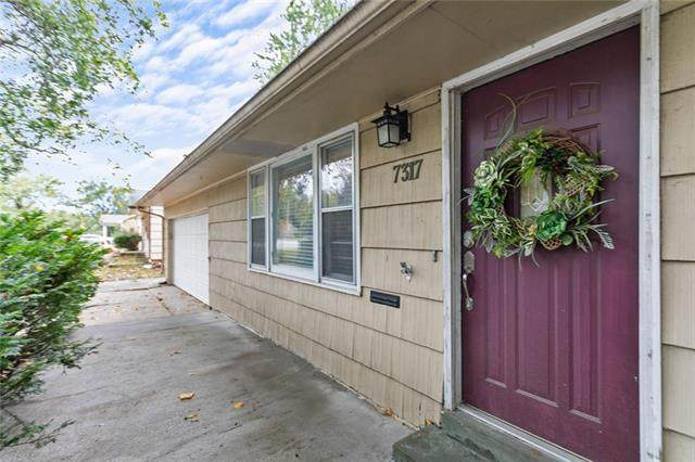 7317 Blue Ridge Boulevard, Raytown, MO 64133 (#2350827) :: The Rucker Group