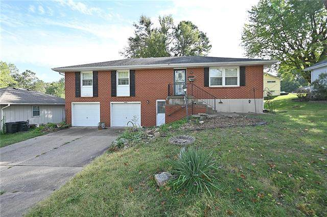 16421 E 29th Terrace S, Independence, MO 64055 (#2350847) :: Beginnings KC Team
