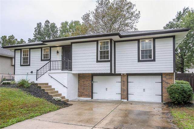 2713 SE 7th Street, Blue Springs, MO 64014 (#2350853) :: The Rucker Group