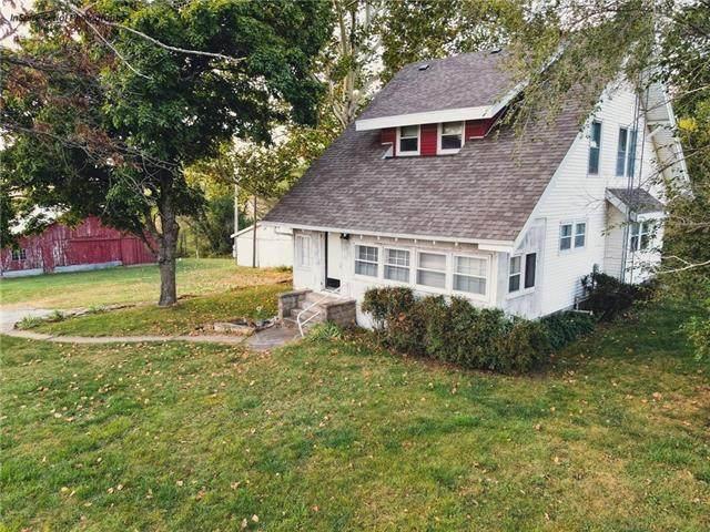 2022 240th Street, Hiawatha, KS 66434 (#2350863) :: Team Real Estate
