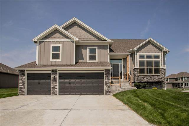 811 W Rader Street, Lone Jack, MO 64086 (#2350879) :: The Rucker Group