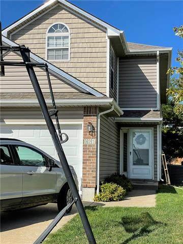 921 SW Peach Tree Lane, Blue Springs, MO 64064 (#2350885) :: Ron Henderson & Associates