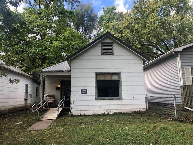 2612 S 13th Street, St Joseph, MO 64503 (#2350901) :: Eric Craig Real Estate Team
