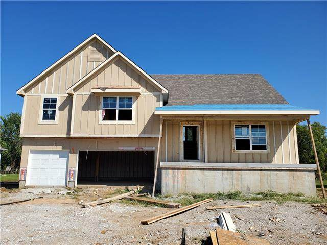 1706 Mulberry Street, Pleasant Hill, MO 64080 (#2350912) :: Ask Cathy Marketing Group, LLC