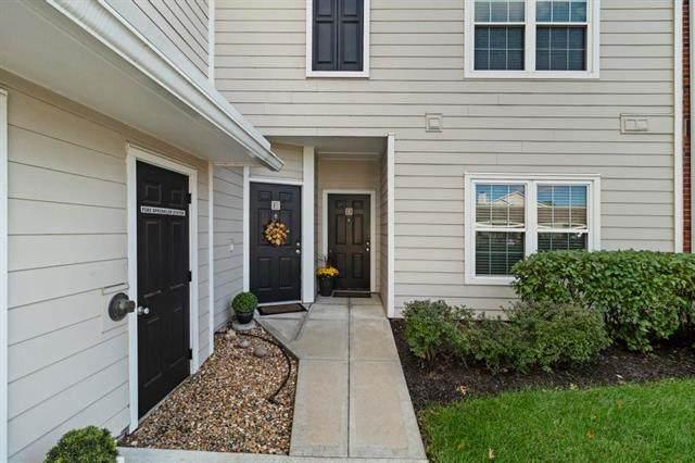 11604 Tomahawk Creek Parkway D, Leawood, KS 66211 (#2351046) :: Five-Star Homes