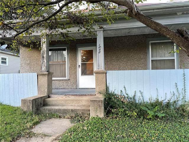 1848 Oneida Street, Lexington, MO 64067 (#2351183) :: Dani Beyer Real Estate