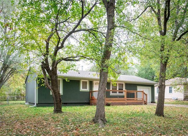305 N Logan Street, Olathe, KS 66061 (#2351217) :: Ron Henderson & Associates