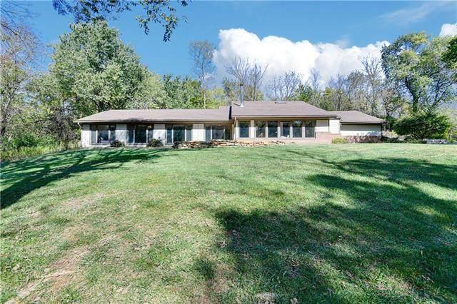 6030 W 163rd Terrace, Stilwell, KS 66085 (#2351219) :: Audra Heller and Associates